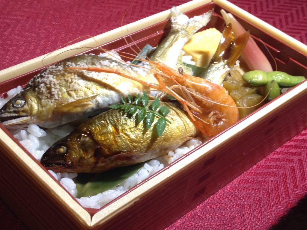 夏季限定 ~あゆ尽しのお弁当~ 1,600円(税込) 福岡、西中洲のお持帰り、テイクアウト